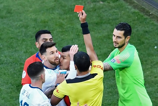 Messi red card