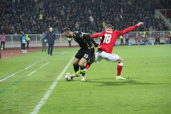 Amir Rrahmani vs Lukas Lerager @ Kosovo - Denmark