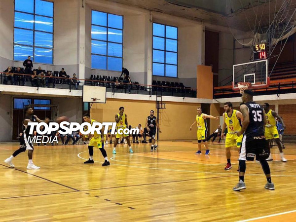Mbyllet pjesa e parë në ndeshjen Ylli - Prizreni