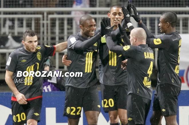 Edhe Lyon pëson, Lille në festë