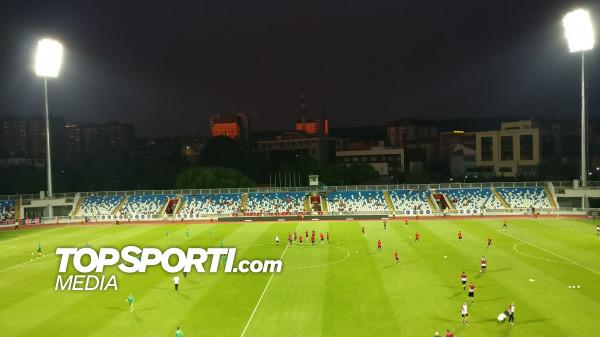 Skuadrat në 'nxemje', stadiumi jo shumë i mbushur