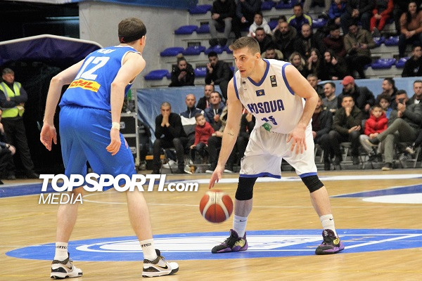 Mikaile Tmusic nënshkruan me KK Podgorica