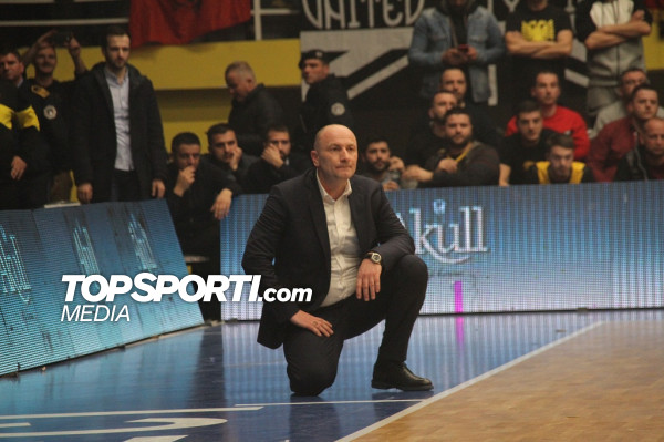 Vazhdohet kontrata me trajnerin kampion
