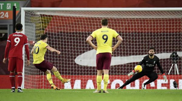 Pas 68 ndeshjesh, Liverpool pëson në Anfield
