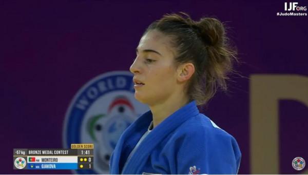 """Edhe Nora Gjakova me medalje, Kosova bënë """"hat-trick"""" në xhudo!"""