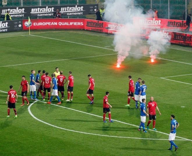 Dënimi i mundshëm, Shqipëria pa tifozë në ndeshjen e radhës
