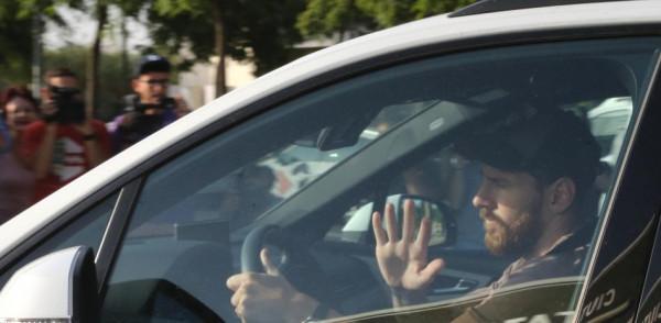 Drejt Parisit, Messi para transferit të lirë