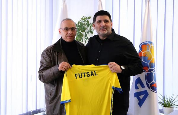 Arben Simitçiu zyrtarizohet si përzgjedhës i Kosovës në futsall
