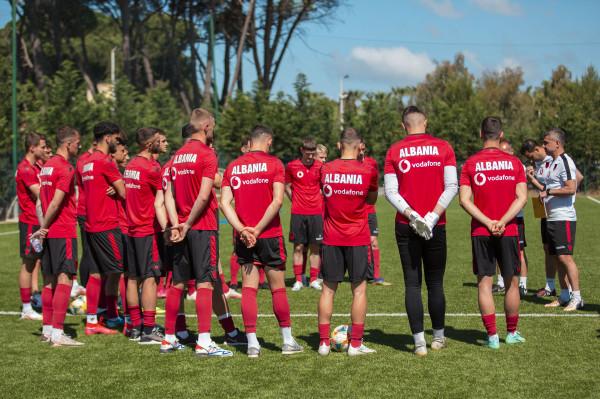Shqipëria U21 fiton përsëri, ndan kreun me Çekinë