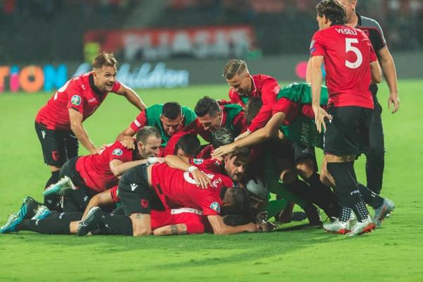 Shqipëria s'luan nga vendi, përkundër fitores ndaj Islandës