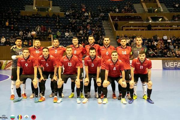 Shqipëria fiton grupin, kualifikohet