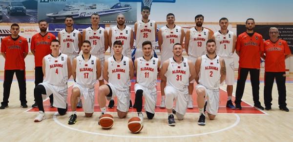 Shqipëria mposhtet në fund!