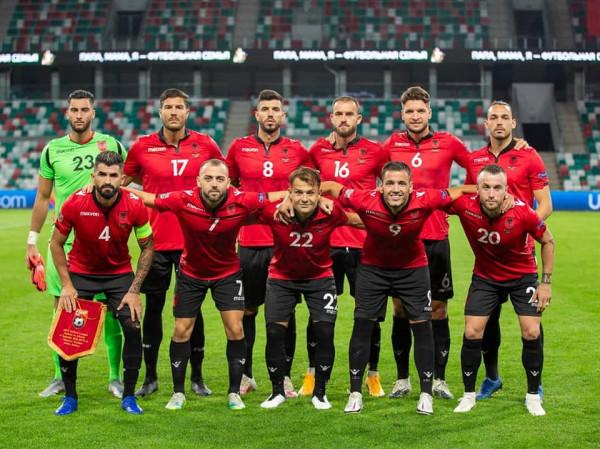 Shqipëria s'lëviz nga pozita e saj
