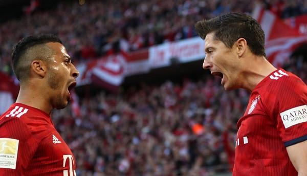 Bavarezët shkelin Dortmundin për të marrë kreun