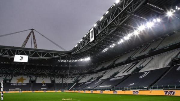 Sociedad vs. United luhet në Torino