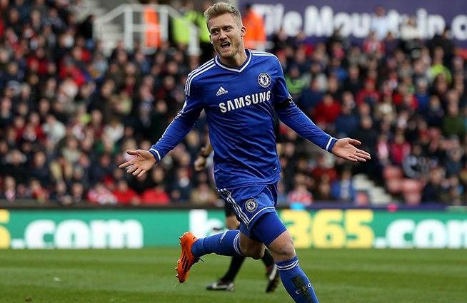Andre Schürrle, kthehet në Premier League