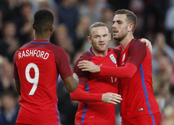 Anglia vazhdon formën e mirë