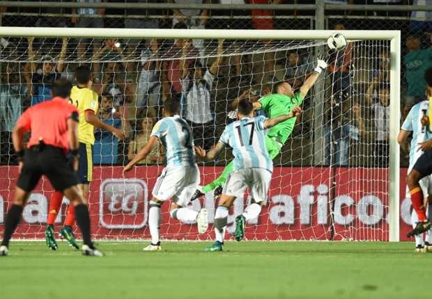 Messi shkëlqen, Argjentina i rikthehet fitoreve