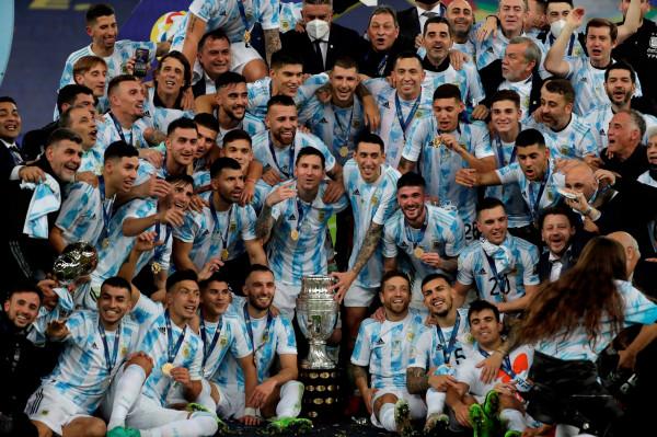 DiMaria vendos, Messi me trofe të parë me Argjentinën