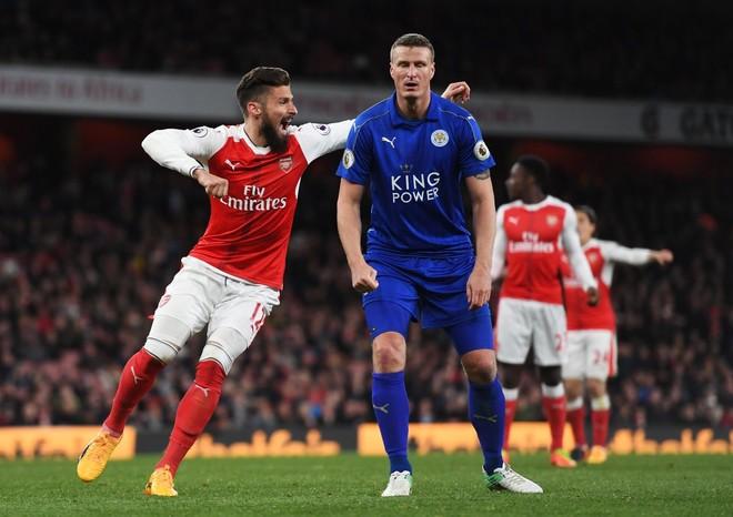Me autogol, Arsenal kap 3 pikëshin e radhës