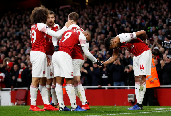 Dy përmbysje, futboll fantastik dhe fitore e Arsenalit