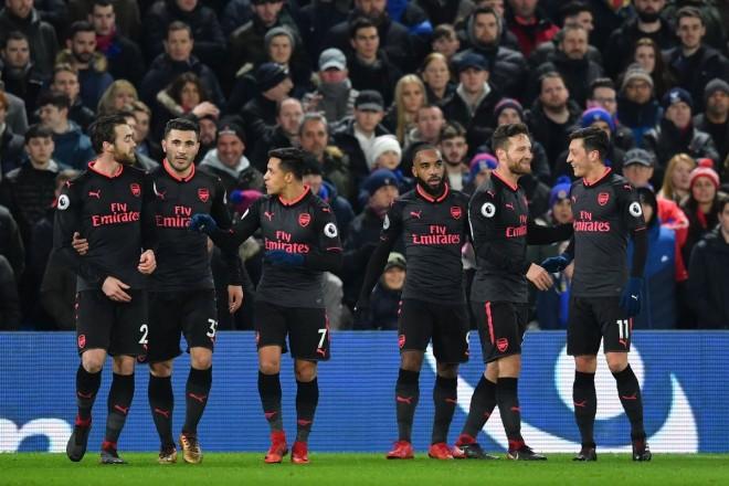 Wenger 810, Mustafi shënon, Arsenali afrohet