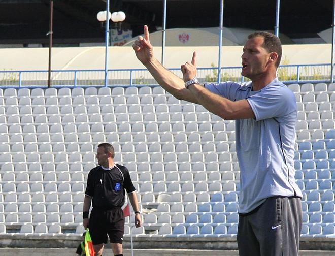 Abazi dorëhiqet nga detyra e trajnerit të Ferizajit