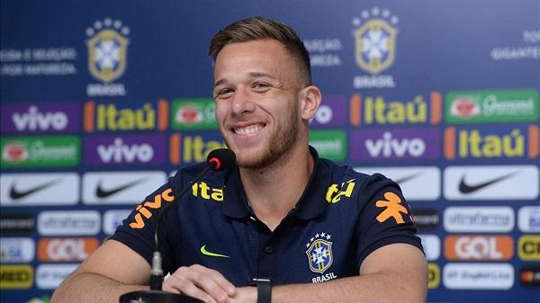 Braziliani 21 vjeç zyrtarizohet te Barcelona