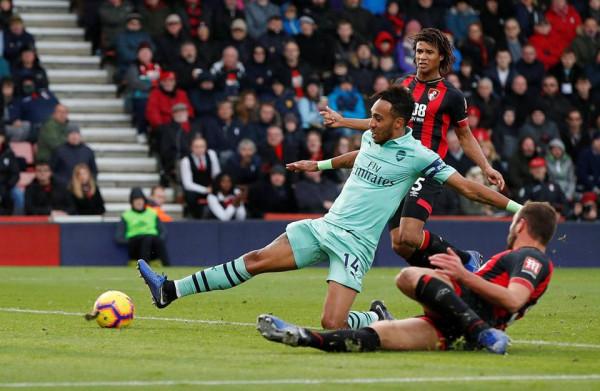 Krizën e B'mouth e shfrytëzon edhe Arsenali