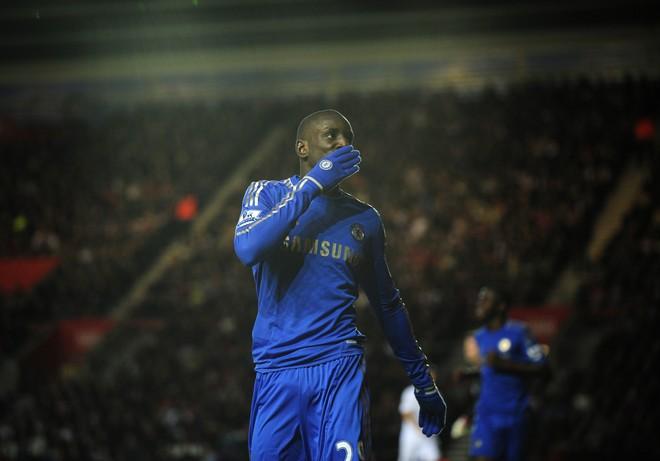 Demba Ba pensionohet nga futbolli