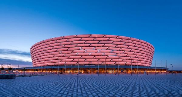 UEFA i përgjigjet Arsenalit për Mkhitaryanin