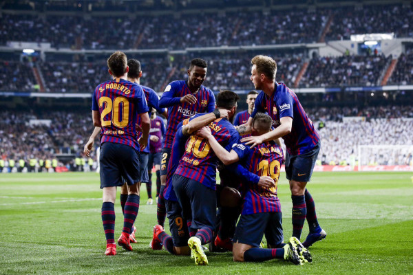 Fitore e thellë në Bernabeu, Barcelona në finale