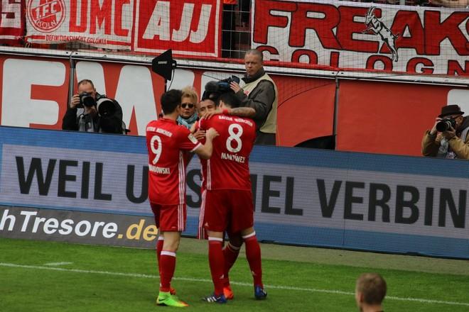 Bayerni s'gabon, +7 diferenca