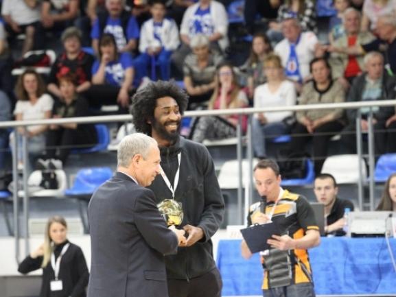 Dwayne Benjamin MVP i stinorit në BIBL