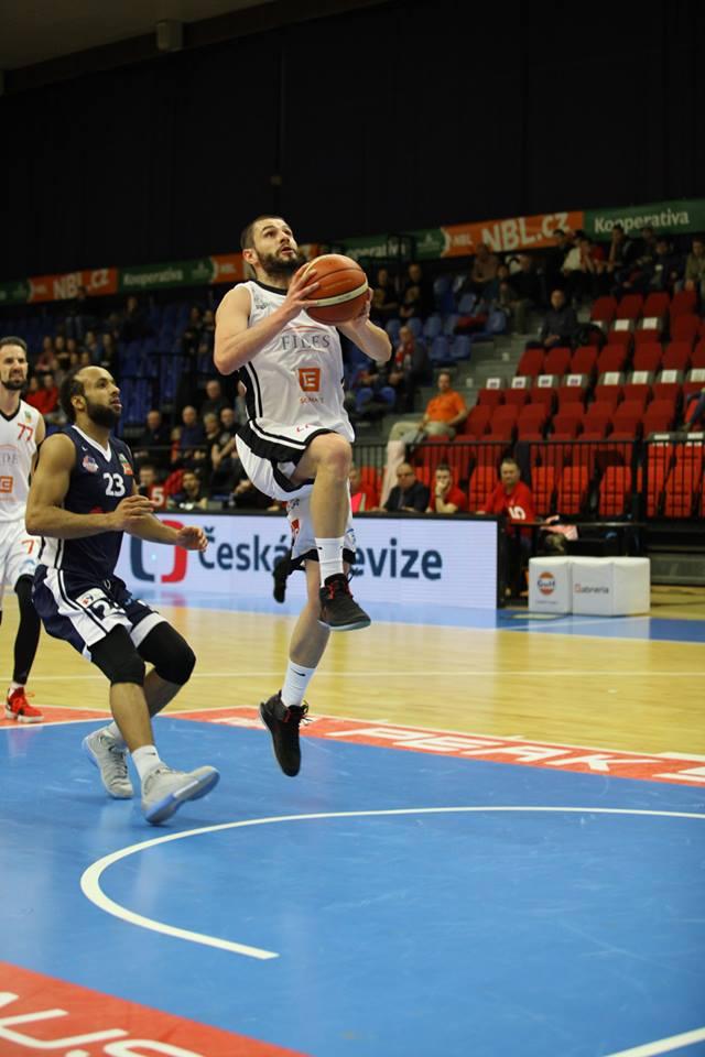 Dardan Berisha rikthehet por nuk luan, Nymburku fiton