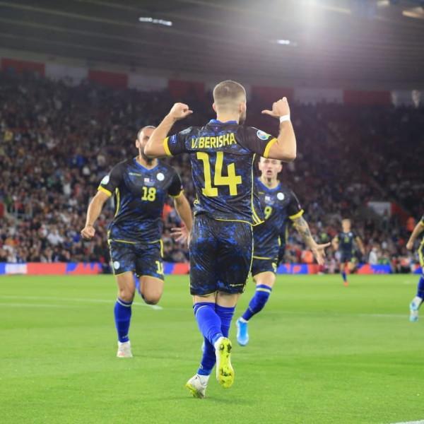 Notat e futbollistëve të Kosovës nga mediat angleze