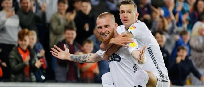 Celina gjen golin, Swansea fiton