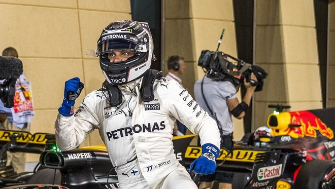 Bottas befason Hamiltonin e Vettelin