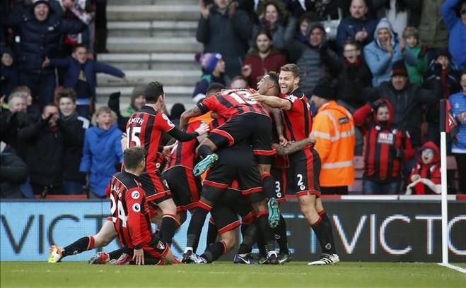 Goleadë e përmbysje, Liverpooli bie në 'Dean Court'