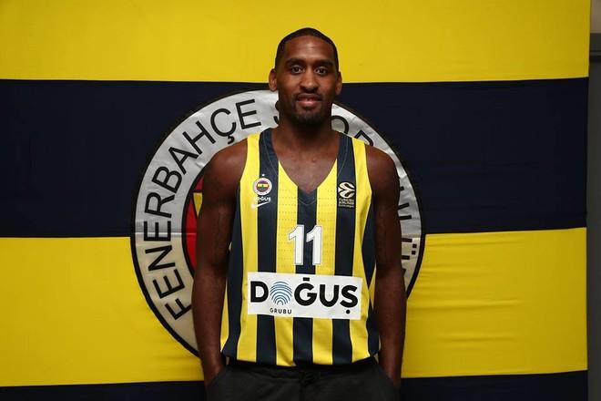 Nga Fenerbahçe te Celtics