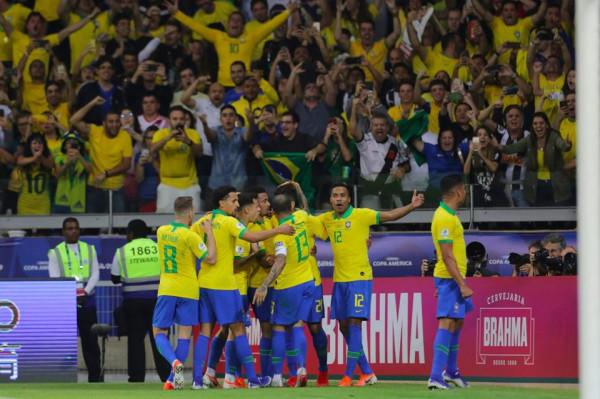 Messi mbetet pa trofe, Brazili arrin finalen