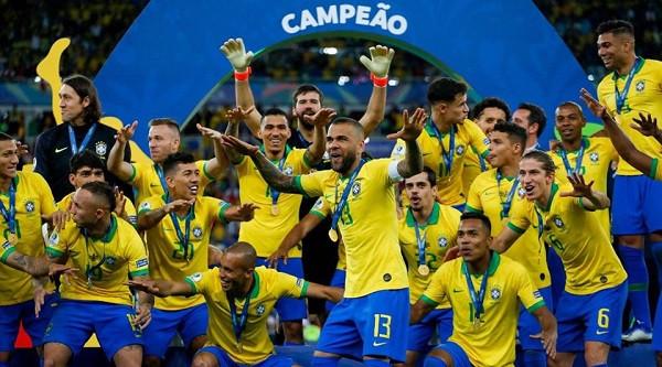 Pas 12 vitesh, trofeu rikthehet në Brazil
