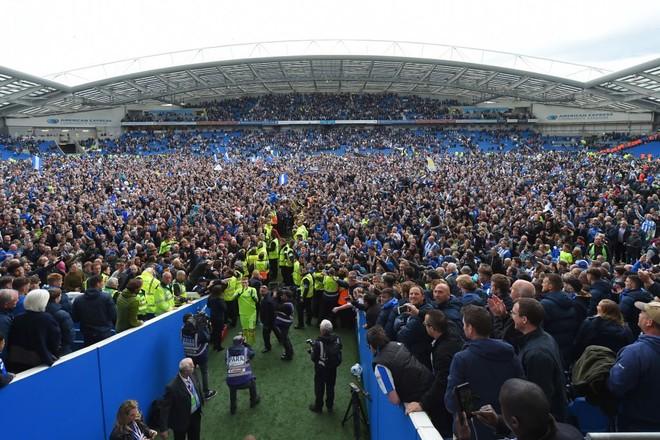Shkruhet historia, Brightoni në Premier League!