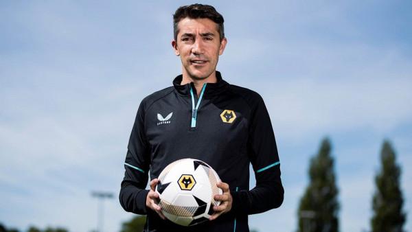 Wolves zyrtarizon trajnerin e ri