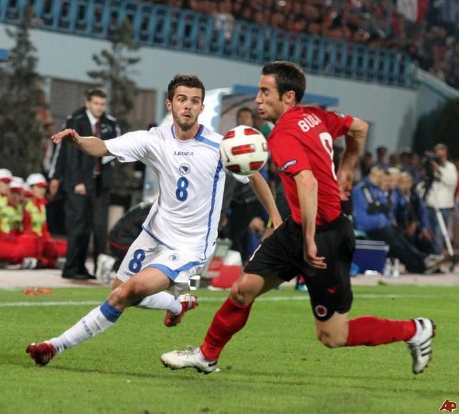 Shqipëria i kërkon miqësore Bosnjës