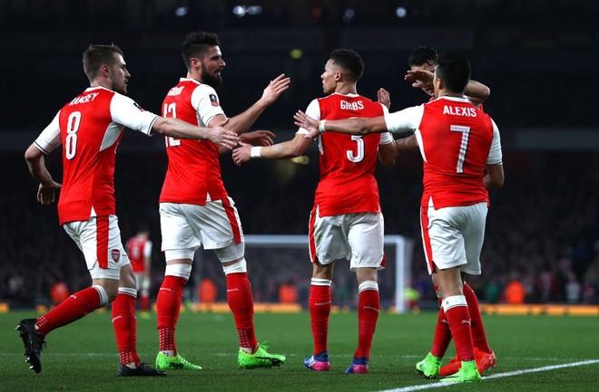 Arsenali lehtësisht në gjysmëfinale