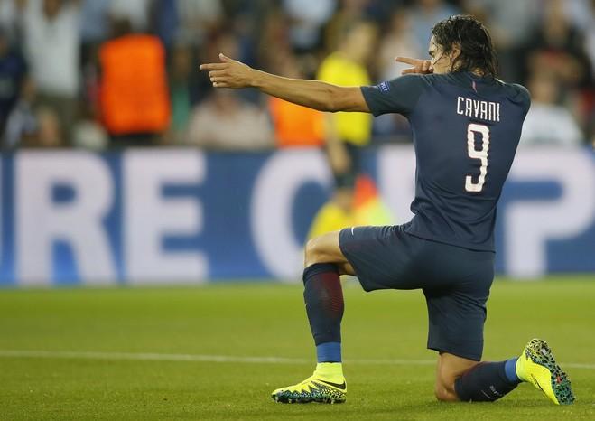 Super Cavani, Parisi fiton me goleadë