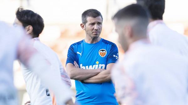 Ish lojtari i Barcelonës dhe Realit, merr drejtimin e Valencias