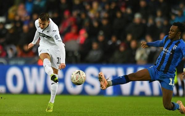 Celina shënon në fitoren e Swanseat