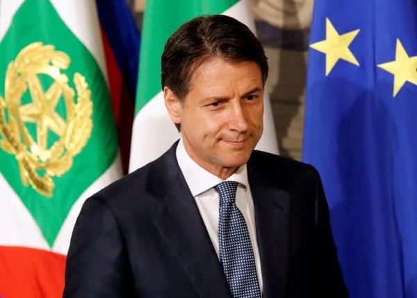 Italia lehtëson dhe përcakton fazat e rifillimit